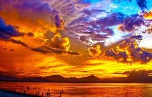 아름다운 구름과 노을 풍경