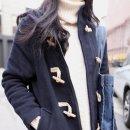 패션 / 가로수길 / 아우터 , 니트 , 청바지 , 가방 , 스니커즈 / 김사강 ( 20 )