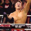 WWE 인간승리 레슬러 원톱 ㄷㄷㄷㄷㄷㄷ.jpg