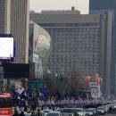 주말 광화문, 10만 태극기 1만 민노총 포위
