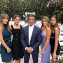 [할리웃POP]실베스터 스탤론, 미모의 3딸+모델 아내..흐뭇 미소