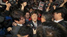 ′드루킹 출판사 절도사건′ TV조선 압수수색, 기자들 반발에 무산