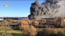 [이 시각 세계] 영국, 창고 화재..연기로 뒤덮인 런던 상공